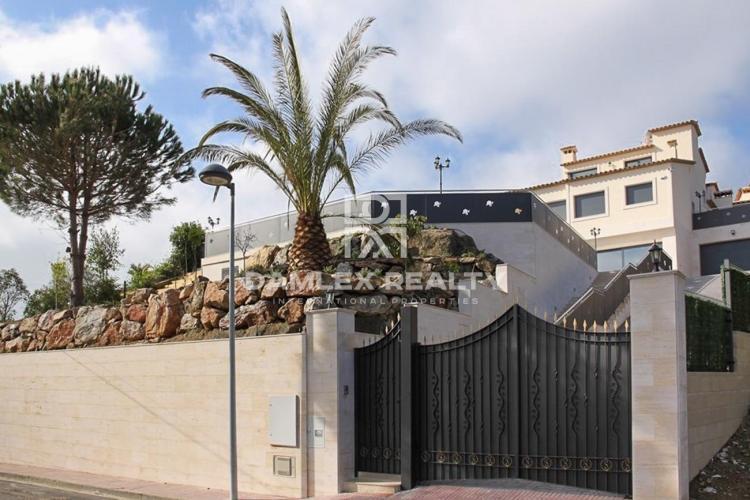 Haus zu verkaufen in Calonge, 6 schlafzimmer, Grundstücksgrösse 1213 m2