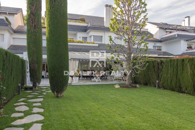 Haus zu verkaufen in Haus in Barcelona, 5 schlafzimmer, Grundstücksgrösse  m2