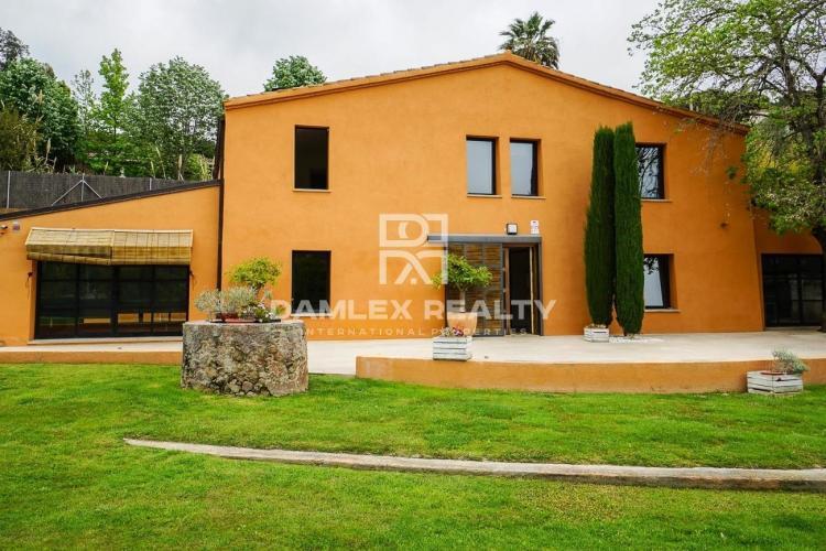 Haus zu verkaufen in Cabrils, 5 schlafzimmer, Grundstücksgrösse 3000 m2