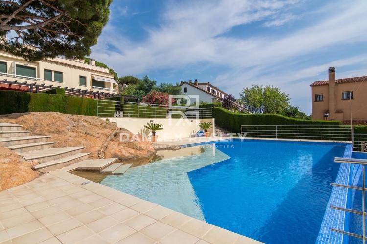 Haus zu verkaufen in Sant Feliu de Guixols, 4 schlafzimmer, Grundstücksgrösse  m2