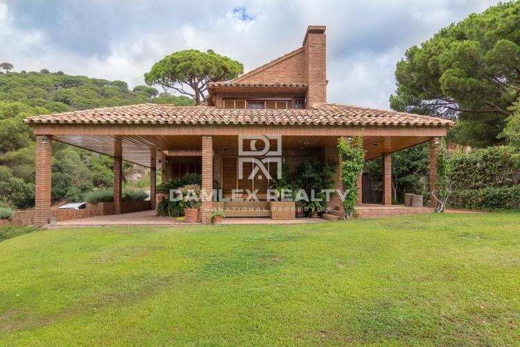Haus zu verkaufen in Premia de Dalt, 5 schlafzimmer, Grundstücksgrösse 850 m2
