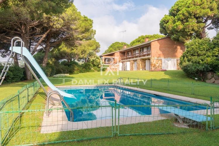Haus zu verkaufen in Sant Andreu de Llavaneres, 7 schlafzimmer, Grundstücksgrösse 5868 m2