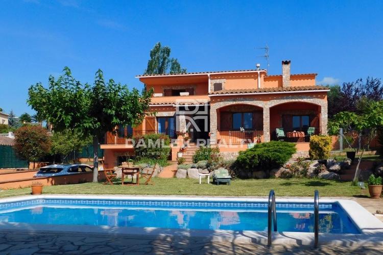 Haus zu verkaufen in Calonge, 4 schlafzimmer, Grundstücksgrösse 1062 m2