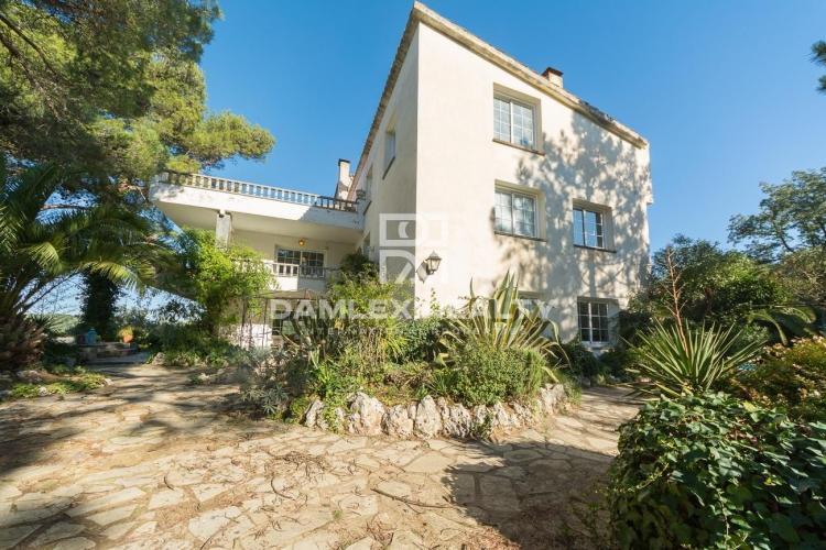 Haus zu verkaufen in Vilassar de Dalt, 12 schlafzimmer, Grundstücksgrösse 50000 m2