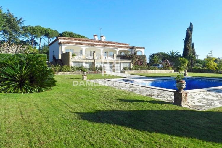 Haus zu verkaufen in Sant Feliu de Guixols, 5 schlafzimmer, Grundstücksgrösse 7000 m2