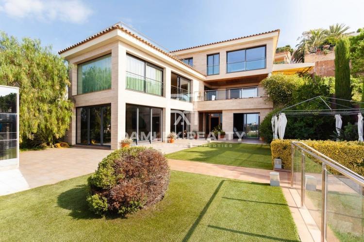 Haus zu verkaufen in Blanes, 4 schlafzimmer, Grundstücksgrösse 810 m2