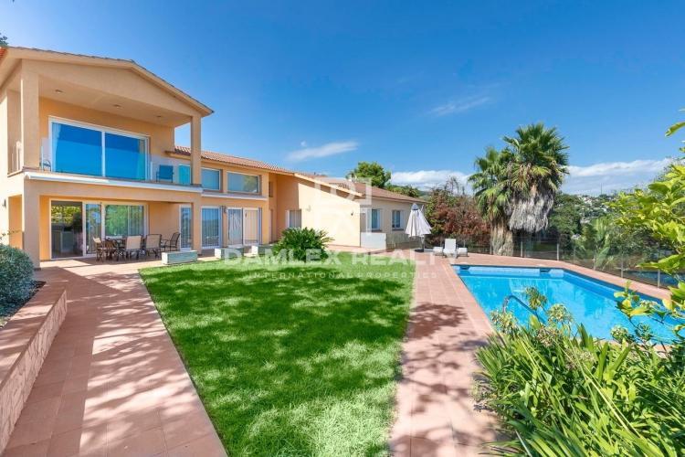 Haus zu verkaufen in Tossa de Mar, 7 schlafzimmer, Grundstücksgrösse 1073 m2