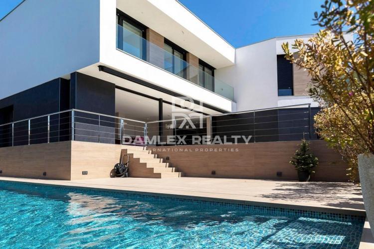 """Haus zu verkaufen in Platja d""""Aro, 6 schlafzimmer, Grundstücksgrösse 700 m2"""