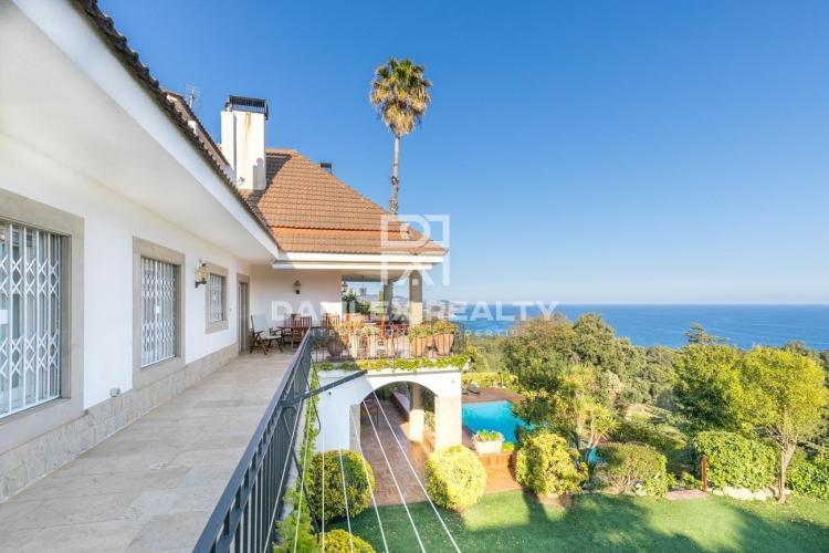 Haus zu verkaufen in Blanes, 7 schlafzimmer, Grundstücksgrösse 2400 m2