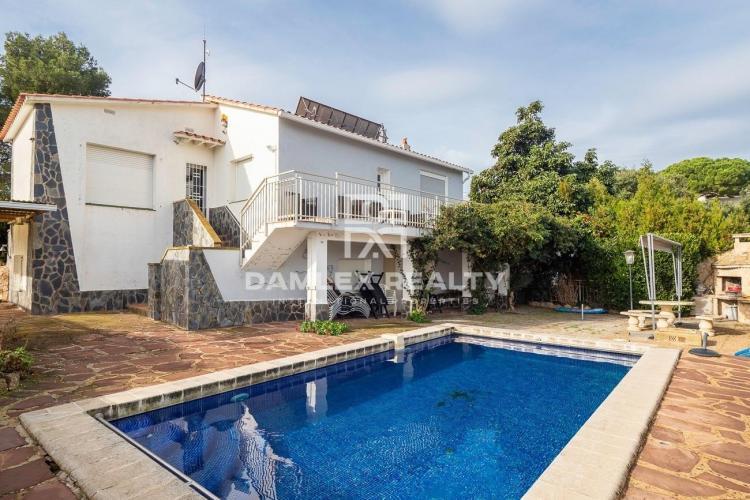 Haus zu verkaufen in Lloret de Mar, 5 schlafzimmer, Grundstücksgrösse  m2