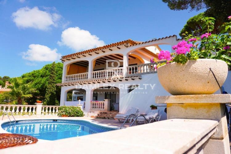 Haus zu verkaufen in Lloret de Mar, 7 schlafzimmer, Grundstücksgrösse 921 m2