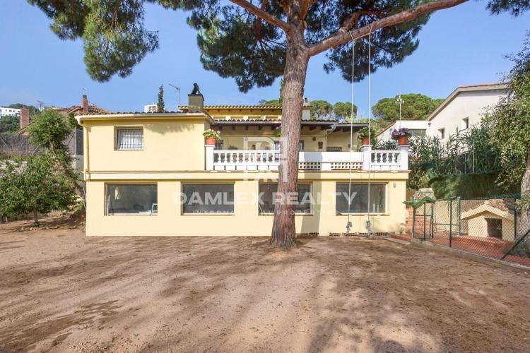 Haus zu verkaufen in Lloret de Mar, 5 schlafzimmer, Grundstücksgrösse 1071 m2