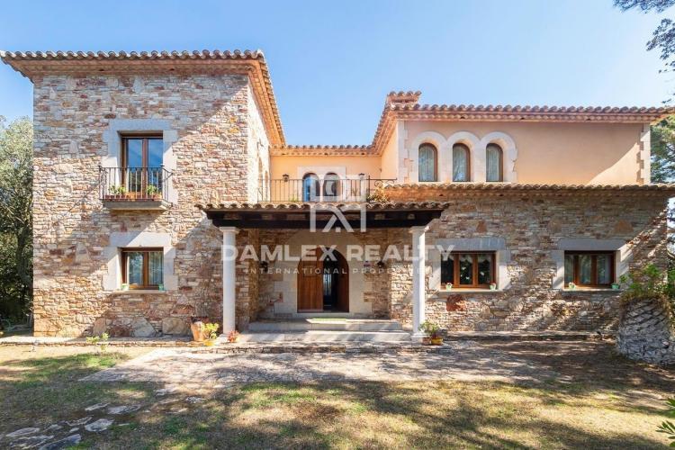Haus zu verkaufen in Begur, 9 schlafzimmer, Grundstücksgrösse 9283 m2