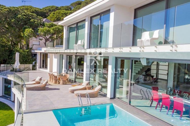 Haus zu verkaufen in Cabrils, 5 schlafzimmer, Grundstücksgrösse 2045 m2