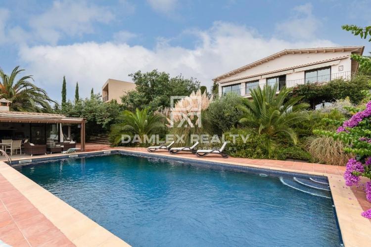 Schöne Villa mit Blick auf das Mittelmeer - in Mas Nou