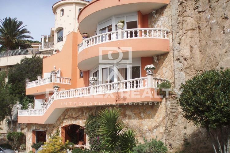 Haus zu verkaufen in Lloret de Mar, 5 schlafzimmer, Grundstücksgrösse 1800 m2